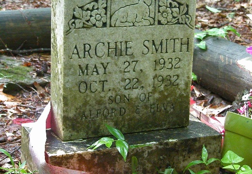 Archie Smith, infant son grave site.
