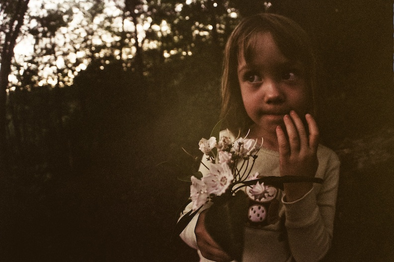 Girls Camping - 05 - Darkness and flowers.jpg