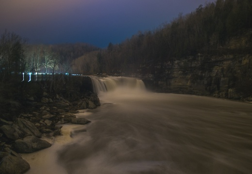 Niagra of the South at night